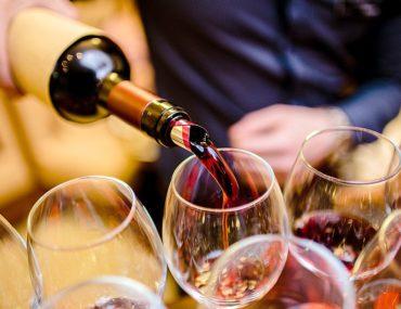 Горячие новости! Роскачество назвало лучшие российские вина 🍷