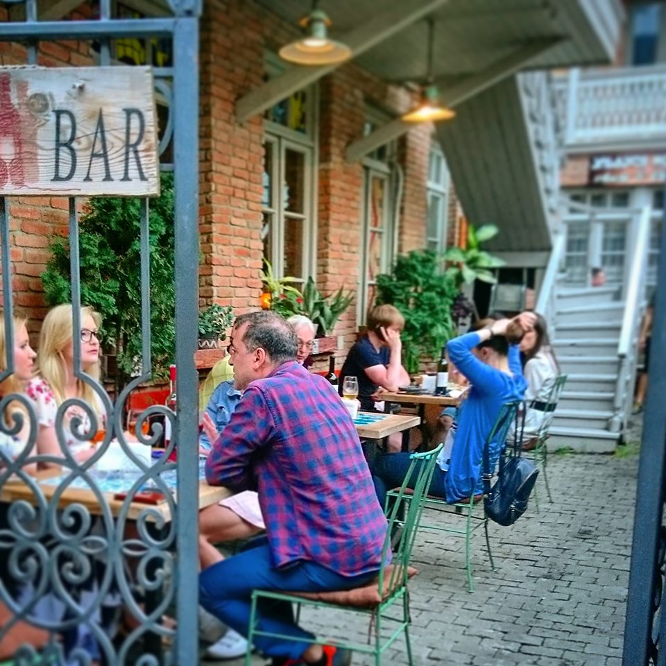 Tsangala's wine shop & bar - где попить вина в Тбилиси