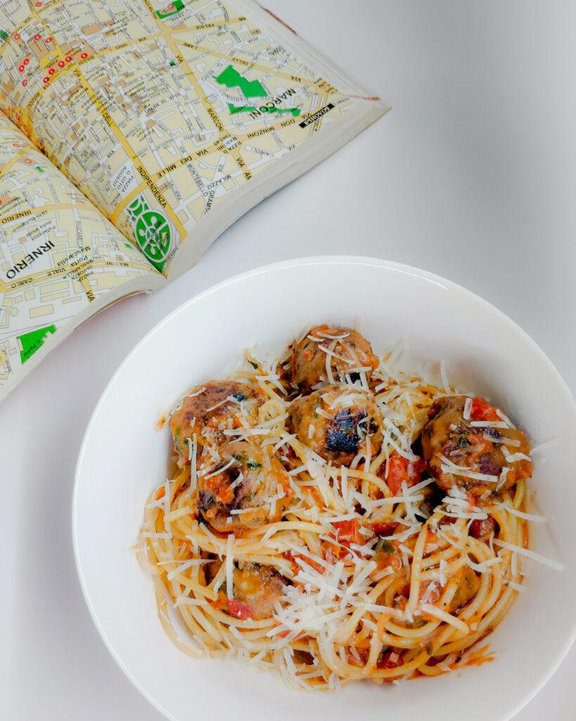 Рецепт пасты с фрикадельками в томатном соусе