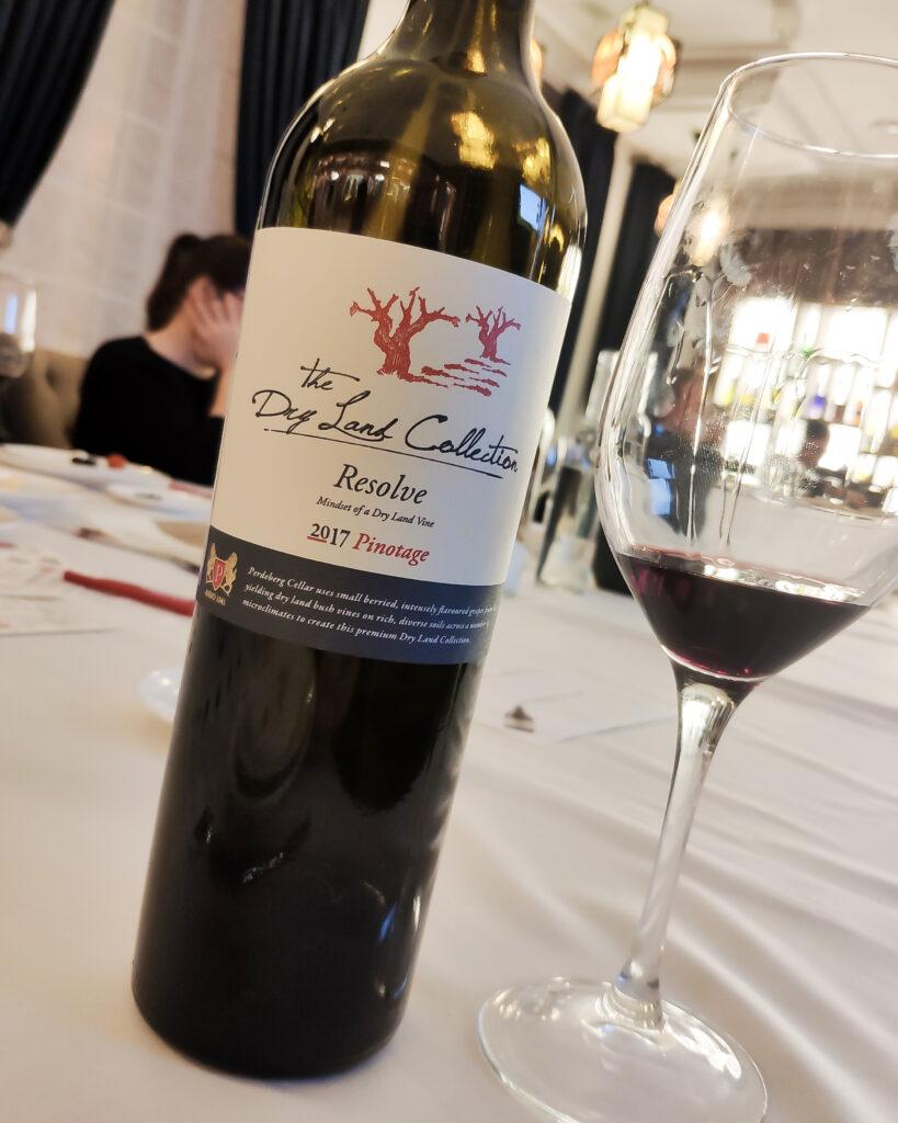 Обзор и дегустация вина Perdeberg The Dry Land Collection Resolve Pinotage