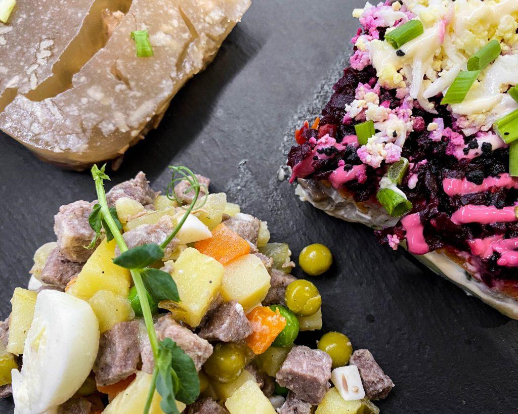 русская кухня, новогодний стол и вино